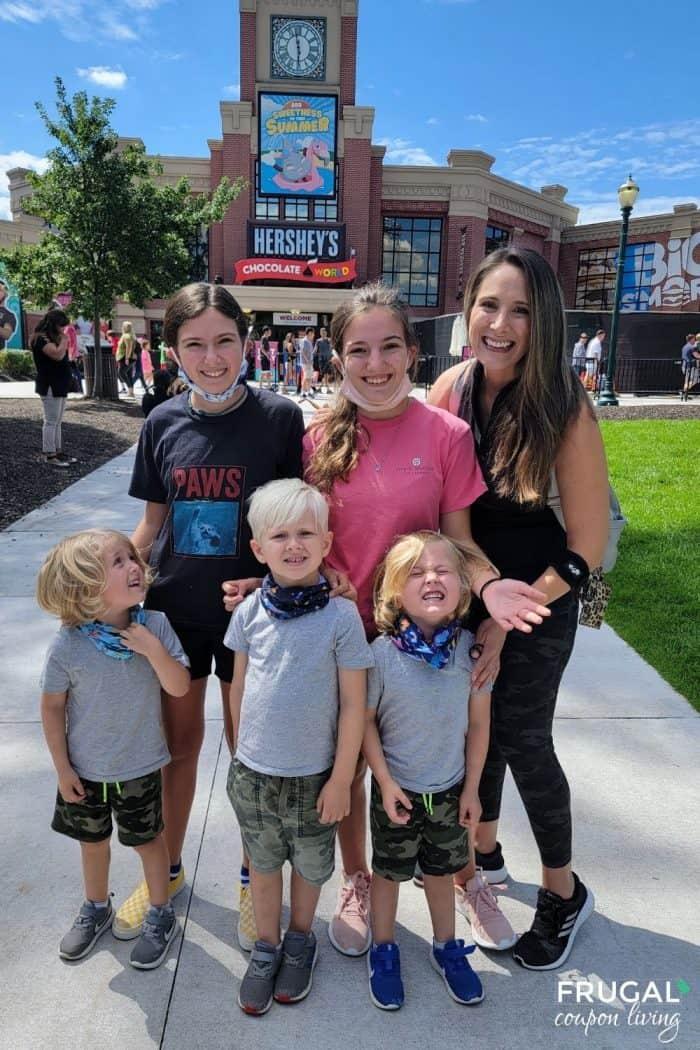 Hersheypark chocolate world family