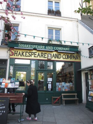 Shop front of Shakespeare and Co, Paris