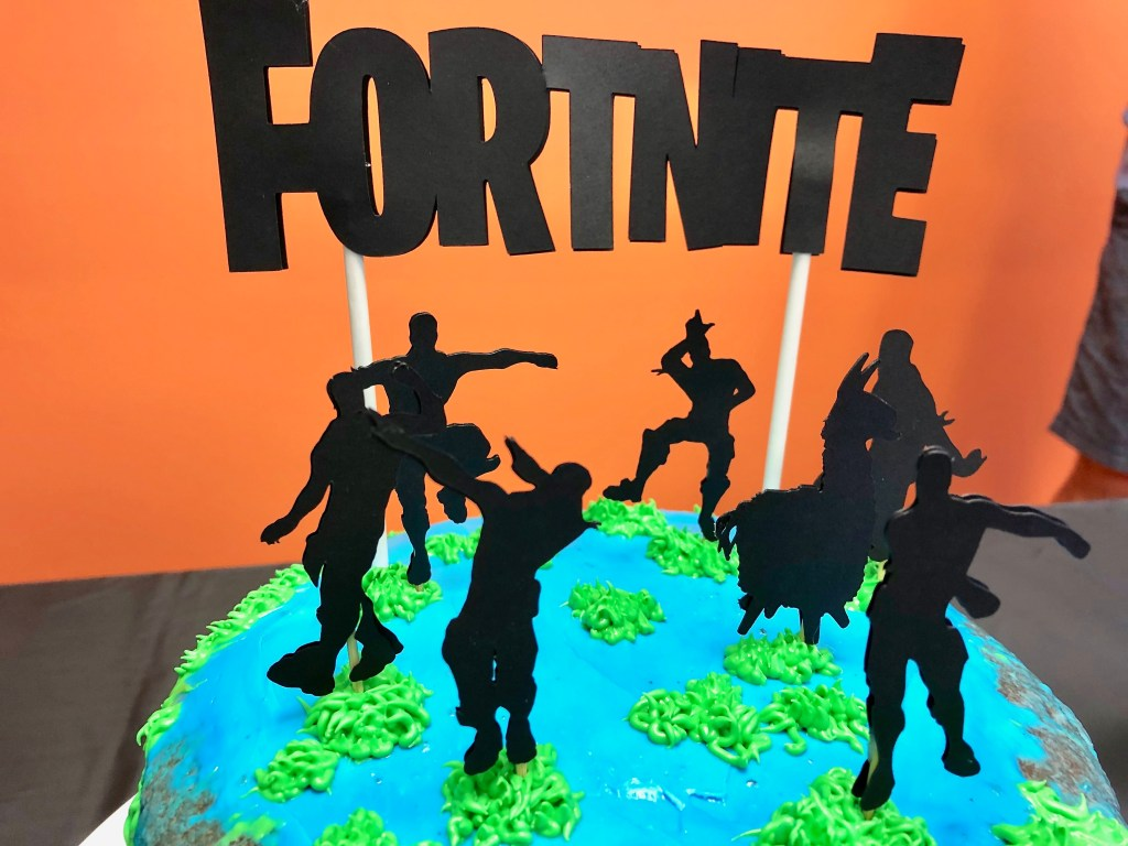 Fortnite Cake - Fortnite Birthday Party Ideas & Printables