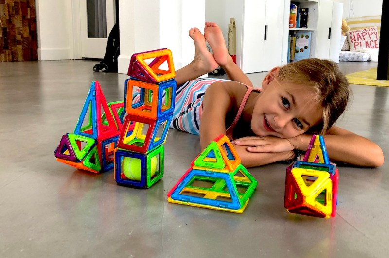Magformers are Mommy's favorite - Best STEM toy for children of all ages #Magformers #STEM #STEMToys #BestToy #AwardWinning