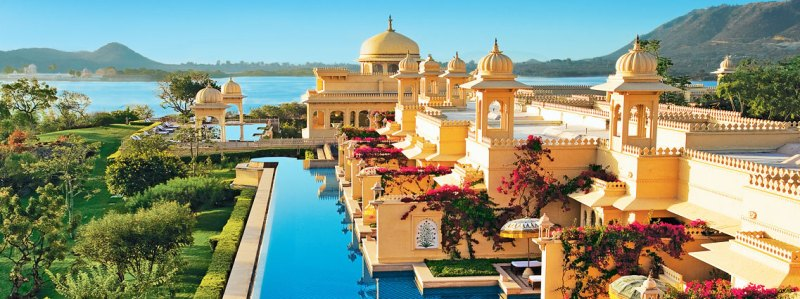 Touring India in Style and Luxury Onboard the Maharajas Express | Luxury Trains of India | India by Train | Luxury Train in India | Suites on Maharajahs Express | #india #indiatravel #maharajasexpress #luxurytrain #luxurytrainofindia #indianluxury #luxurytravel #familytravel
