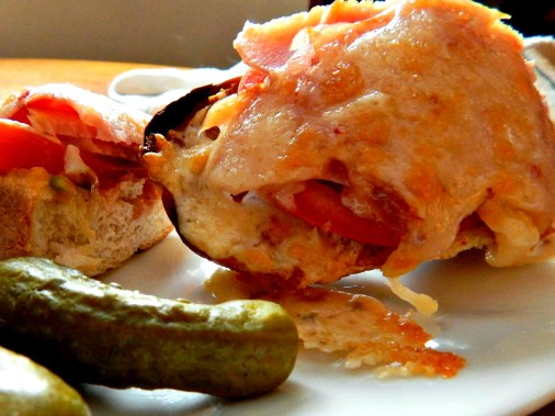 Open faced broiled sandwiches - Subway has NOTHING on this! http://frugalhausfrau.com/2012/04/18/hot-broiled-sandwiches/