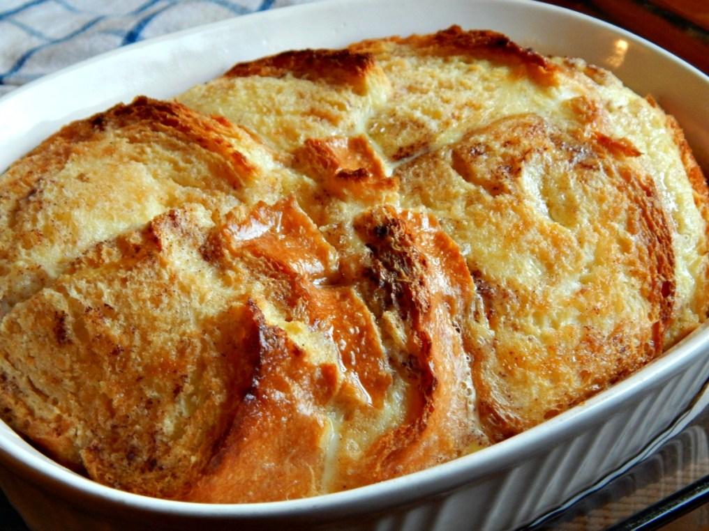 Irish Bread Pudding (Bread & Butter Pudding)