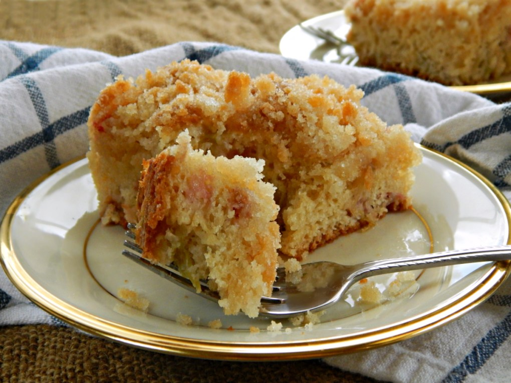 Sour Cream Rhubarb Coffee Cake