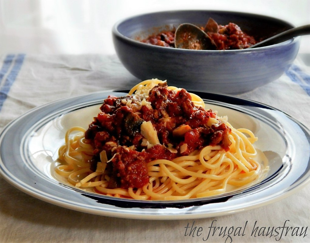 Dad's Spaghetti Sauce - this is a gorgeous red sauce with bell pepper & mushrooms.