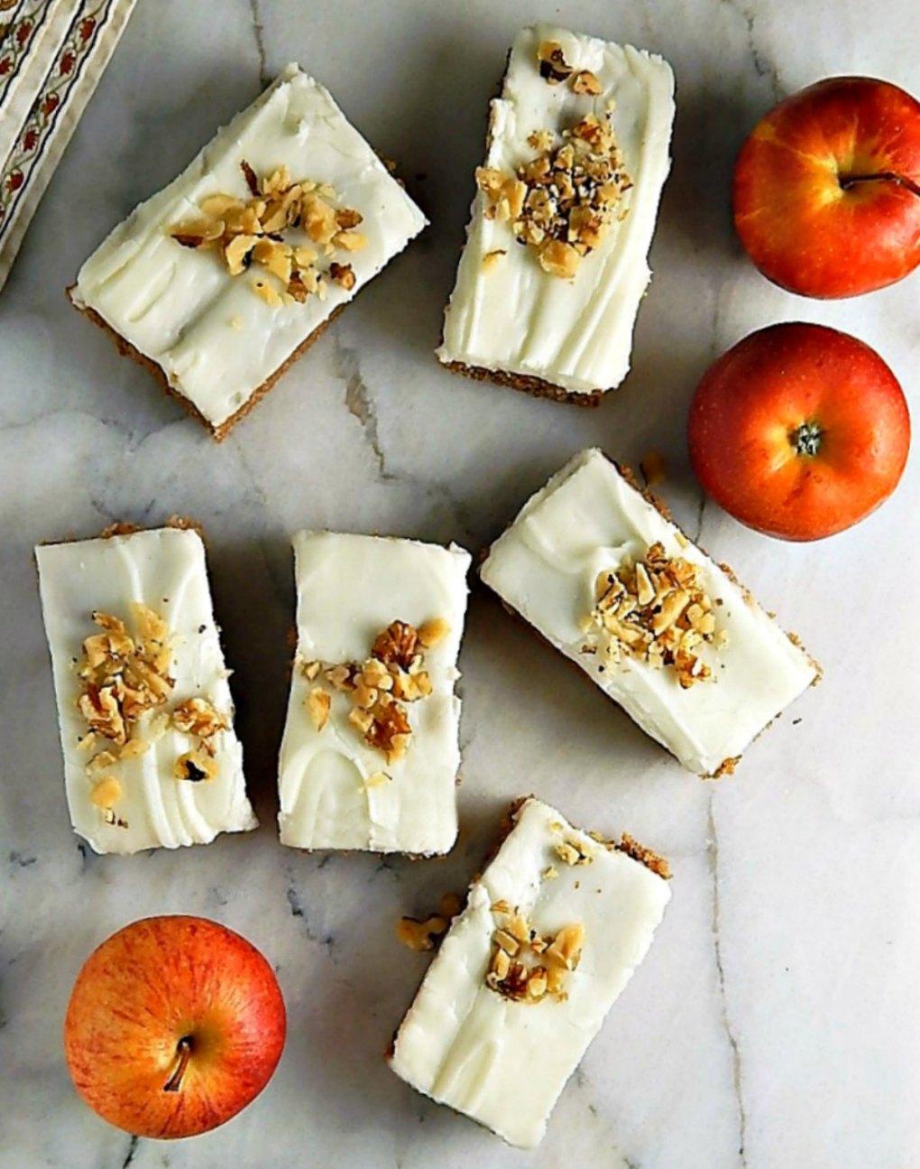 Classic Applesauce Spice Bars