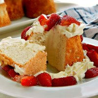 Aunt Mary's Angel Food Cake