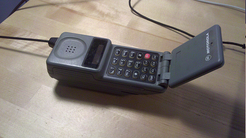 Flip Phone Old Lifestyle Downgrade