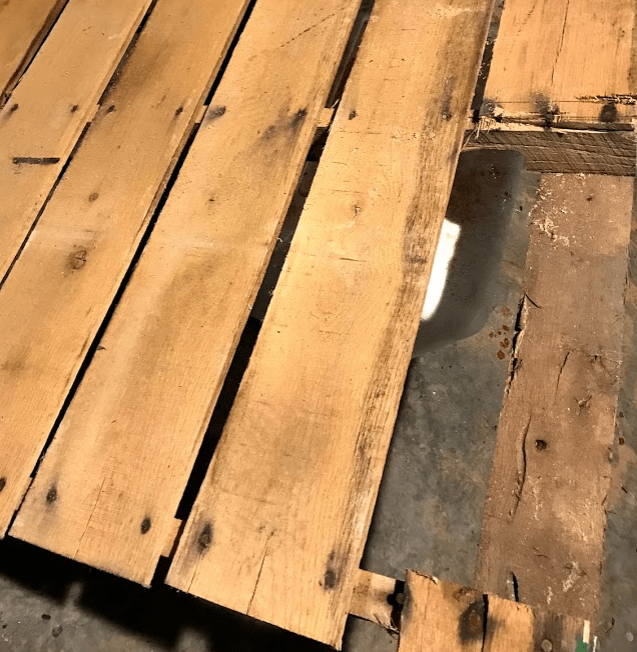 Using old wood pallet for scrap wood