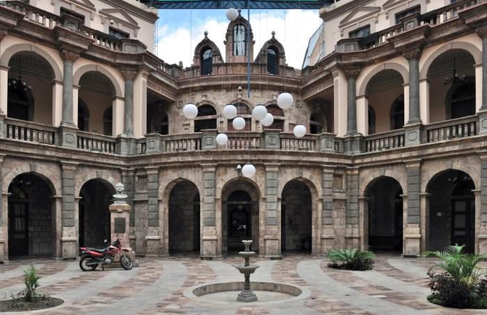 The Supreme Court building in Cuenca, Ecuador - $1000 Retirement: Cuenca