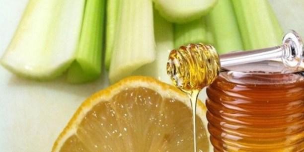 Сок сельдерея отлично сочетается с лимоном и медом