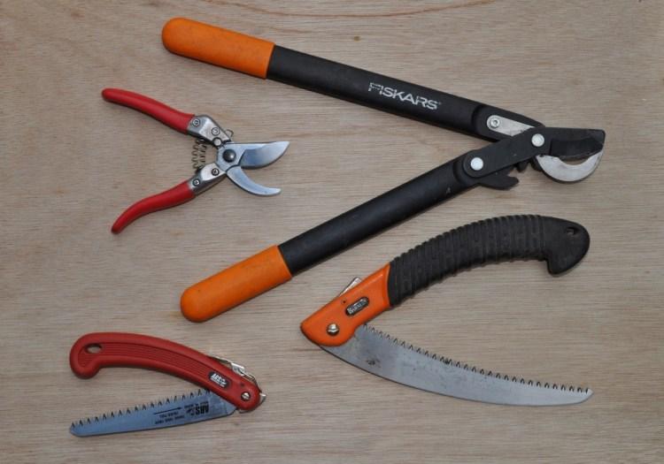 Необходимые инструменты для обрезки