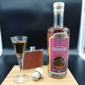 Image of strawberry premium cocktail liqueur from Fruity Tipples