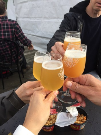 Sjøsprøyt and Shit happens! Cheers