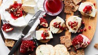 Cranberry Horseradish Brie Bites