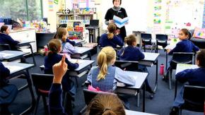 Trẻ em Úc được dạy về dân chủ như thế nào?