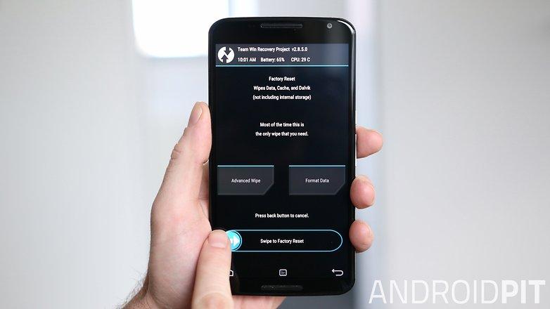 AndroidPIT Nexus 6 TWRP Recovery Восстановление заводских настроек подтвердить