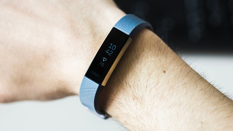AndroidPIT fitbit alta hr 3820