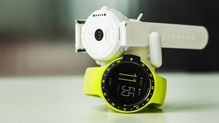 AndroidPIT ticwatch e ticwatch s smartwatch android wear wearables 8159