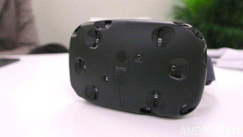 HTC живет