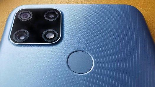 NextPit realme 7i camera module