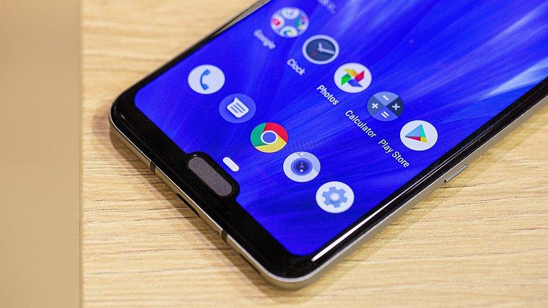 AndroidPIT Sharp Aquos R3 нижний уровень