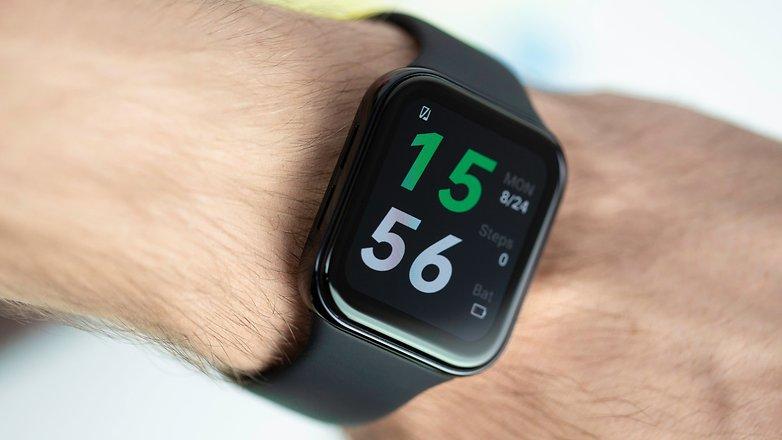 NextPit Oppo Watch wrist