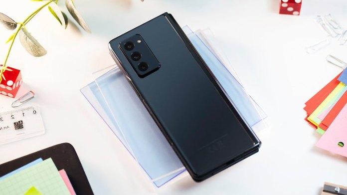 NextPit Samsung Galaxy Z Fold 2 back
