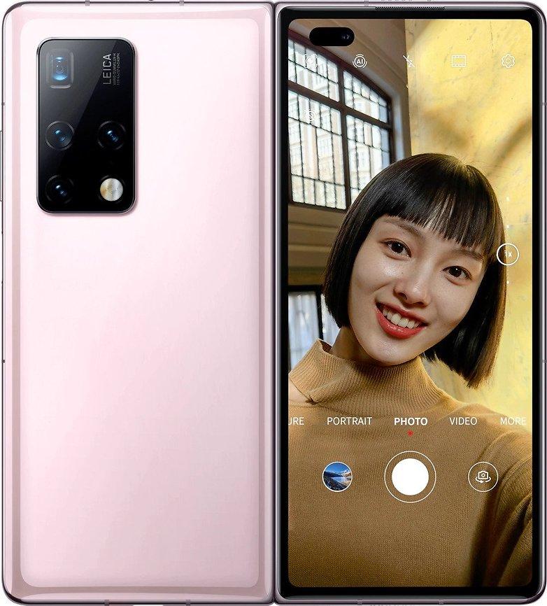 Huawei Mate X2 selfie