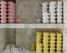 Smaller pots of halwa