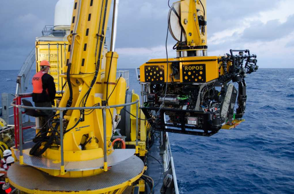 Deep Dive Maintenance: Field Service in 'The Abyss'