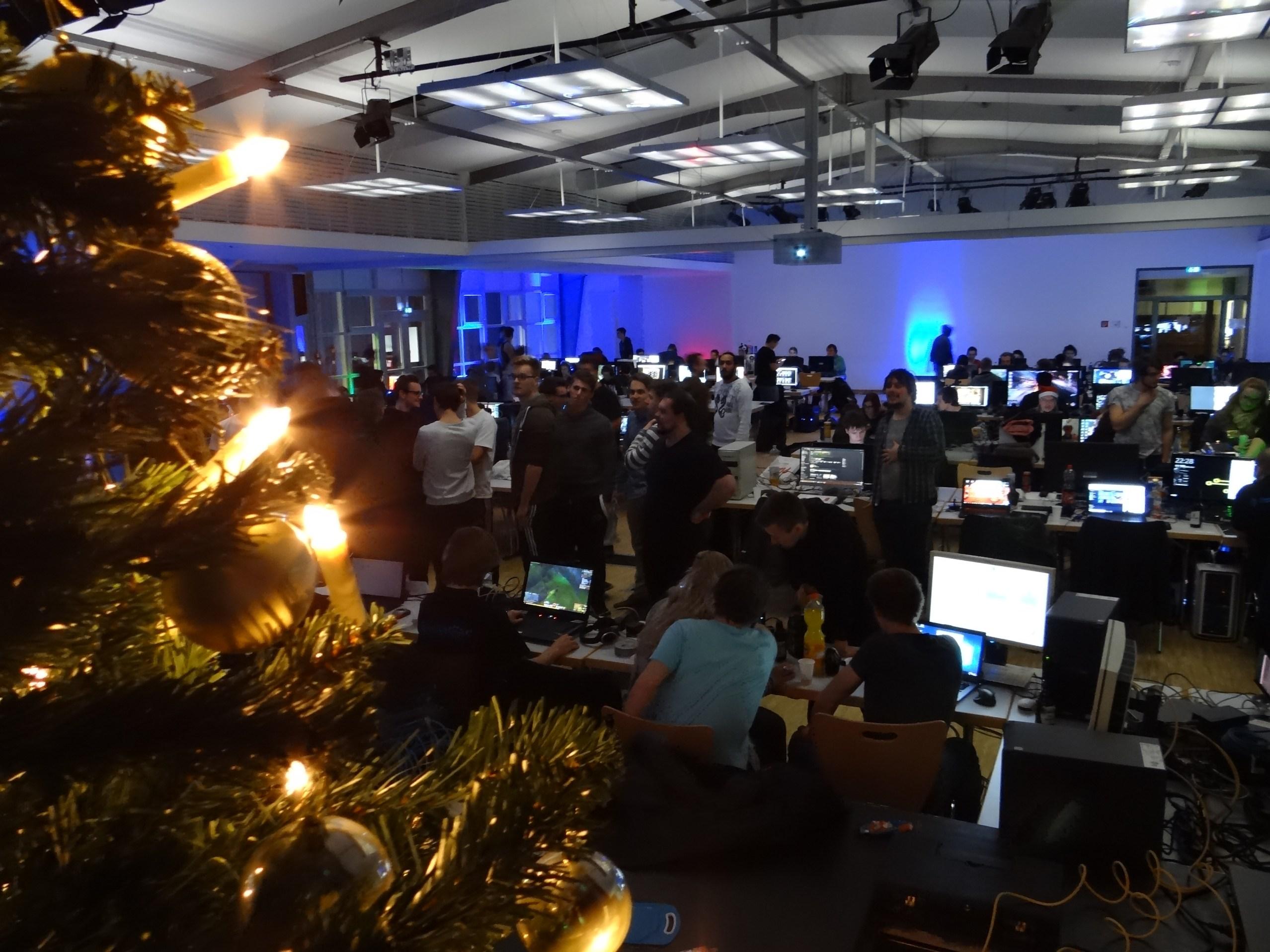 Weihnachtliche Stimmung auf der LAN.