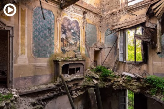 Photographing Abandoned Buildings: 11 Useful Tips