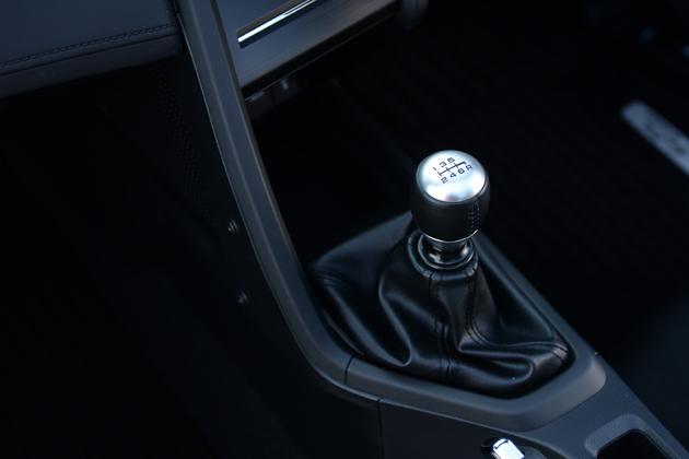 軽のマニュアル車としても貴重な存在「ホンダ S660(5速MT)」