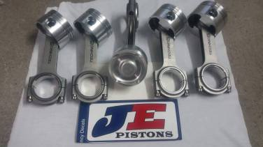 Forged JE Pistons with forged conrods Techno 5