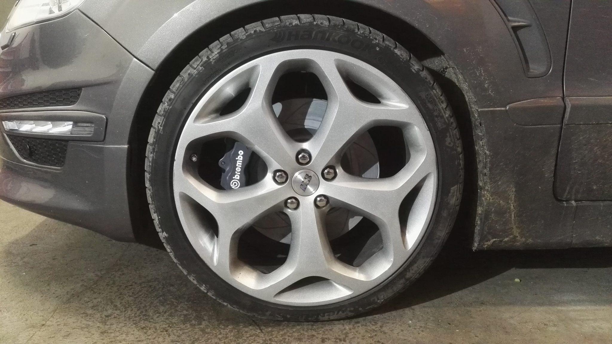 Zaciski 4 tłoczkowe z Porsche