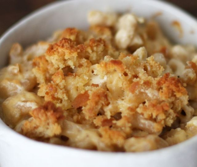 Macaroni And Cheese With Bread Crumb Topping