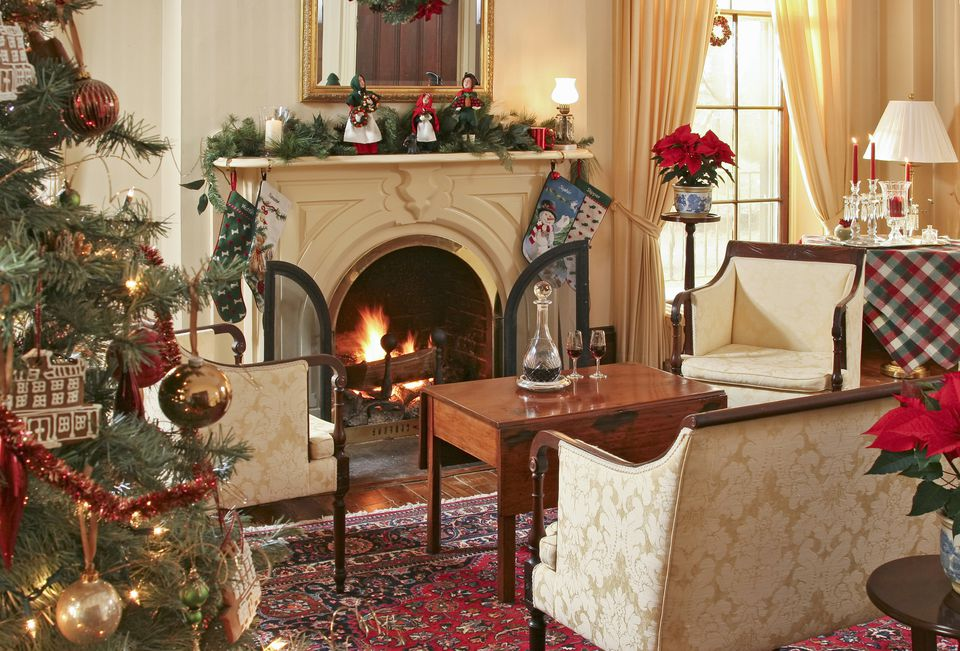 decorating living room for christmas. 15 Beautiful Ways To Decorate The Living Room For Christmas christmas decorations for living room  Psoriasisguru com