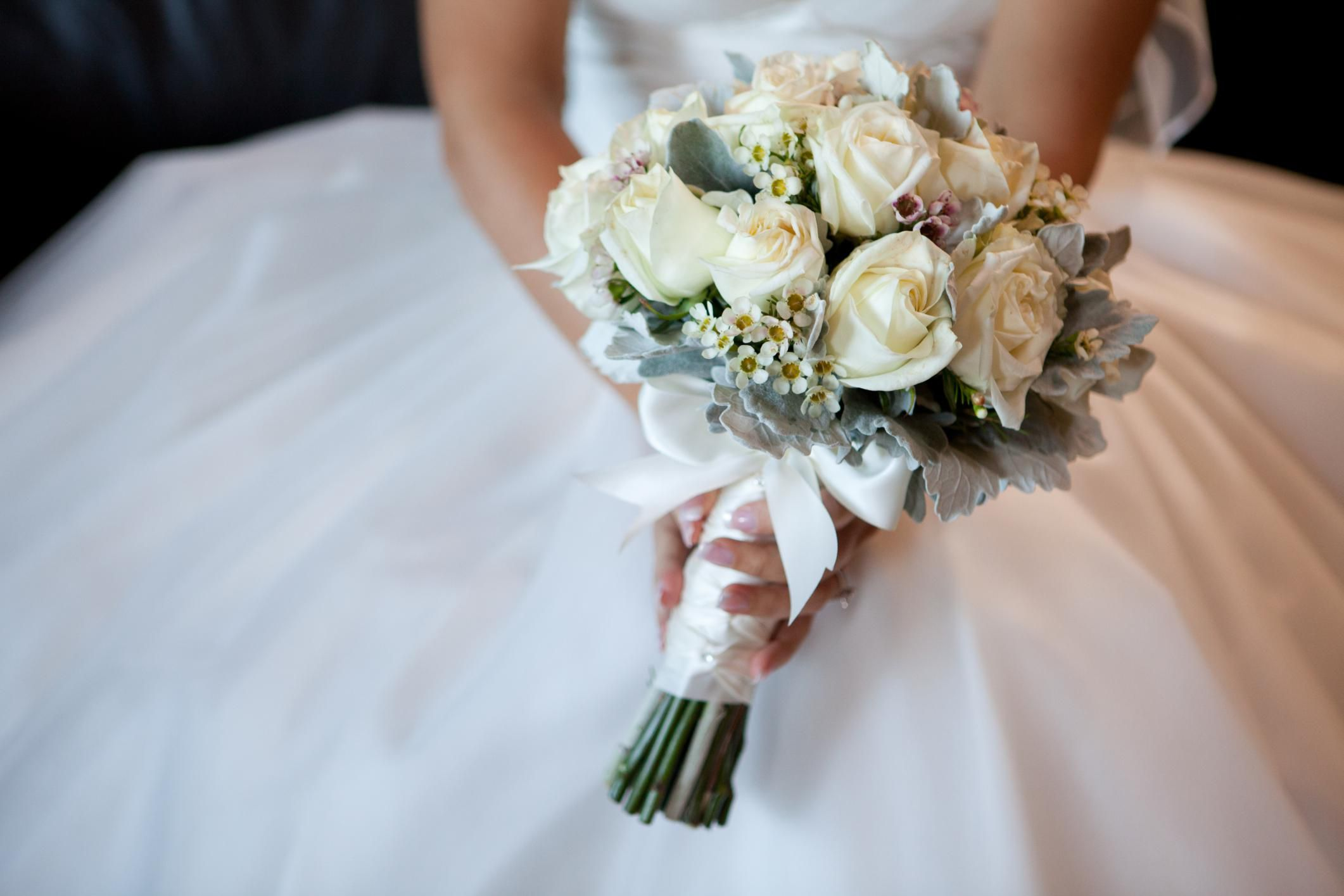 Guide To The Wedding Flowers You'll Need