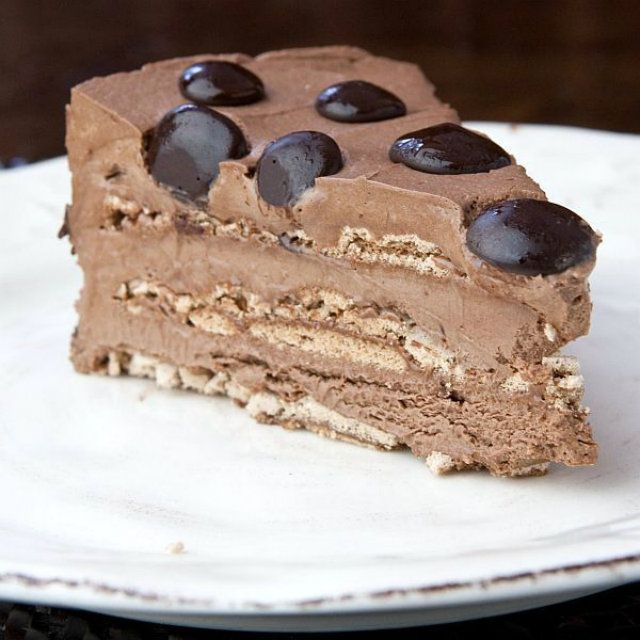 Parve Chocolate Mousse Cake