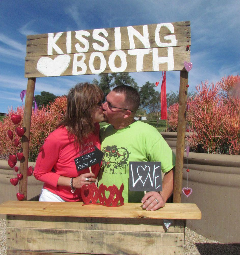 Best Places To Kiss Your Sweetheart In Phoenix Arizona