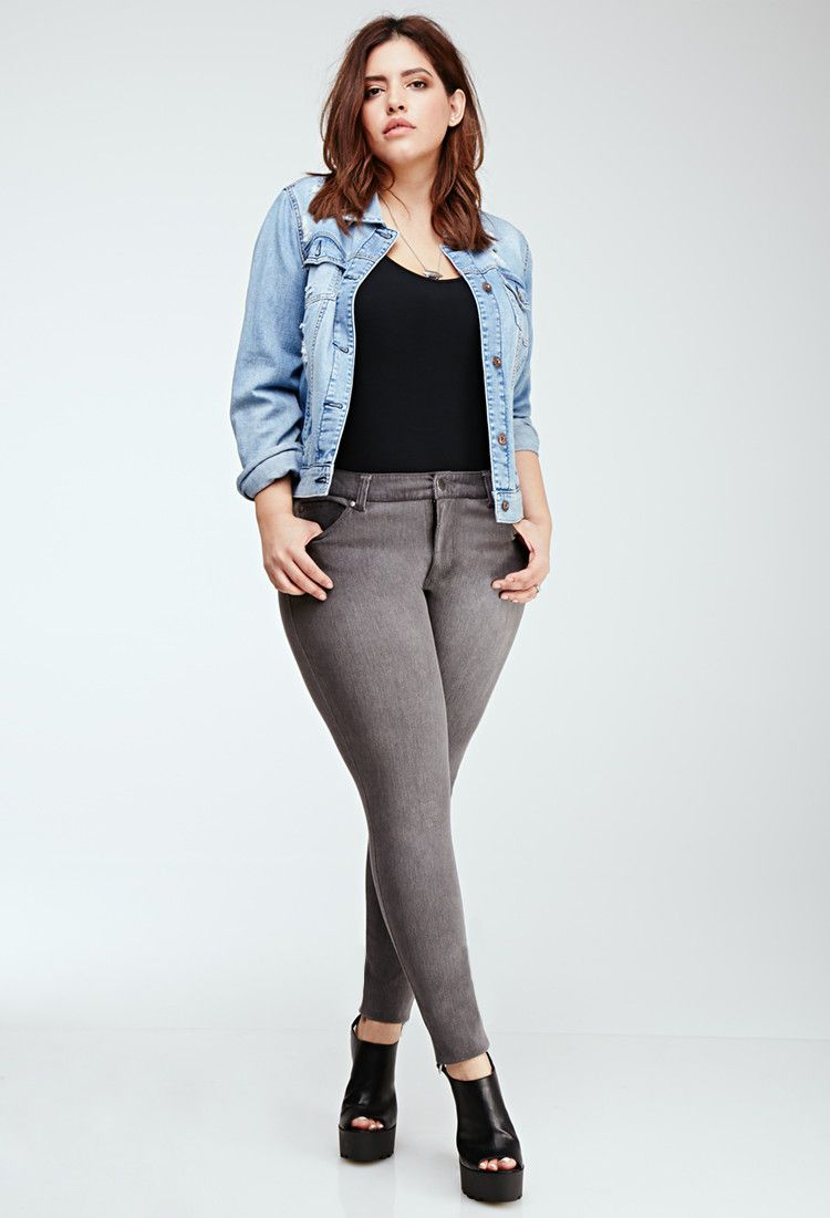 How to Wear Skinny Jeans if You're Plus Size