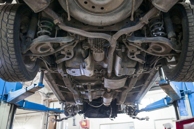 Muffler Undercarriage A Aa Df Cafdaa on 2000 Dodge Dakota Evap System