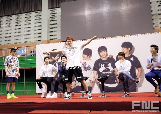31.08.14 - ftisland athletics pri day 06