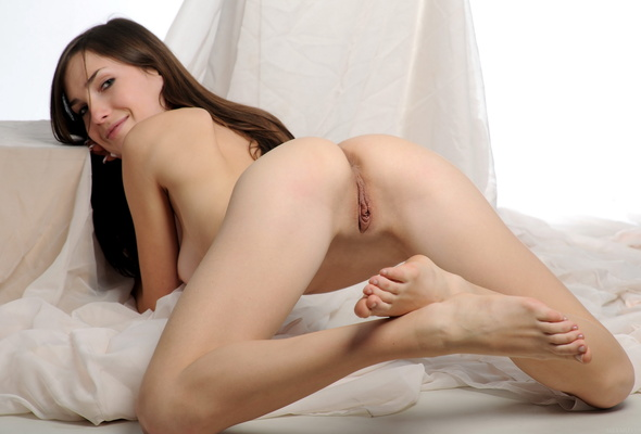Semmi A Shaved Labia Brunette Ass Perfect Solo Pussy