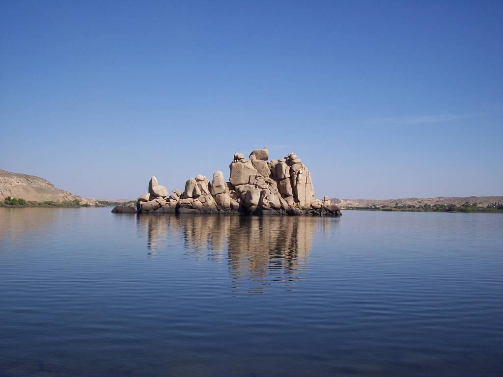 Kết quả hình ảnh cho hồ Nasser