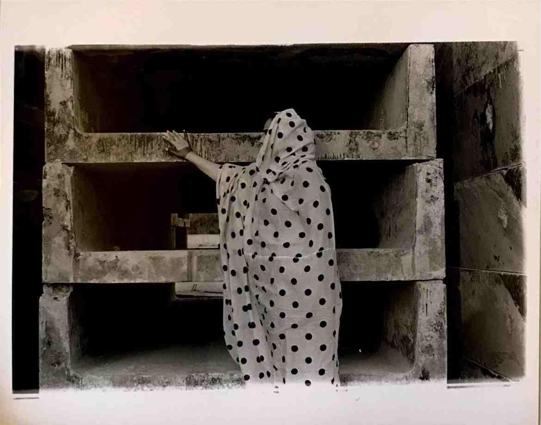 Maitha Hamdan & Nora Al Remeithi_Tashkeel - In Her Abaya
