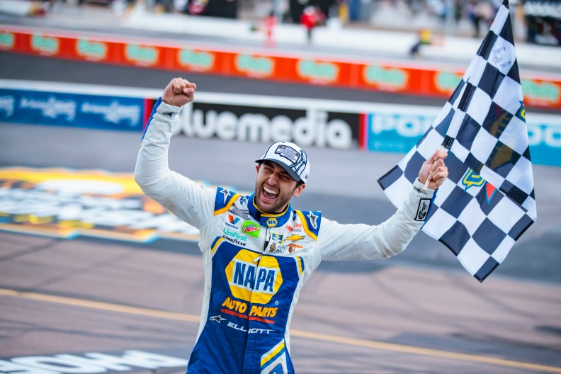 Chase Elliott joins his dad, Bill Elliott, as a NASCAR champion: 'This is  the dream' | For The Win