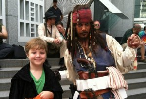 You never know who you will meet at Atlanta's DragonCon Parade with Kids via @FieldTripswSue