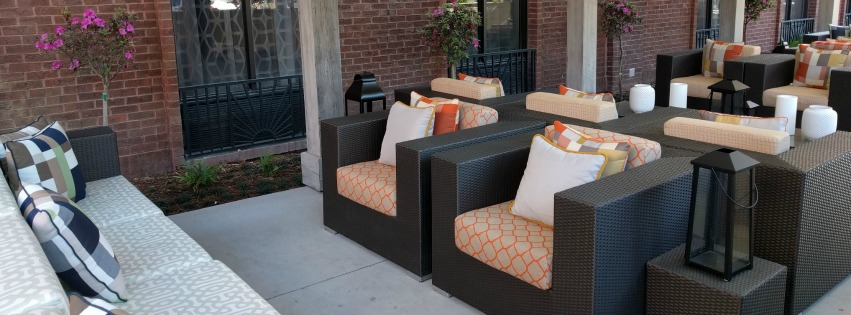 The Hotel Indigo Historic Savannah has a gorgeous patio in the heart of Downtown Savannah